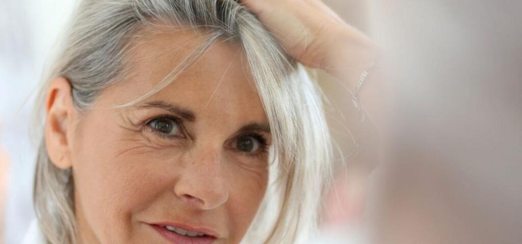 starzenie się włosa - siwe włosy
