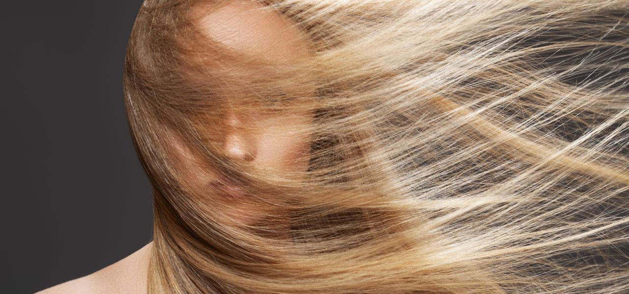 Jak wzmocnić włosy? dieta, zabiegi