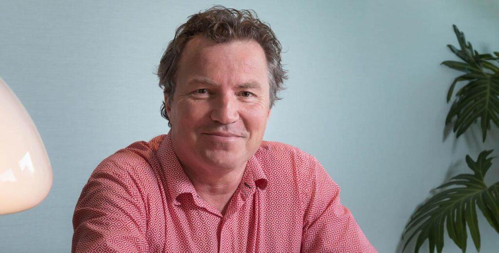 dr Jean Devroye źródło: hair-transplant-surgery.com